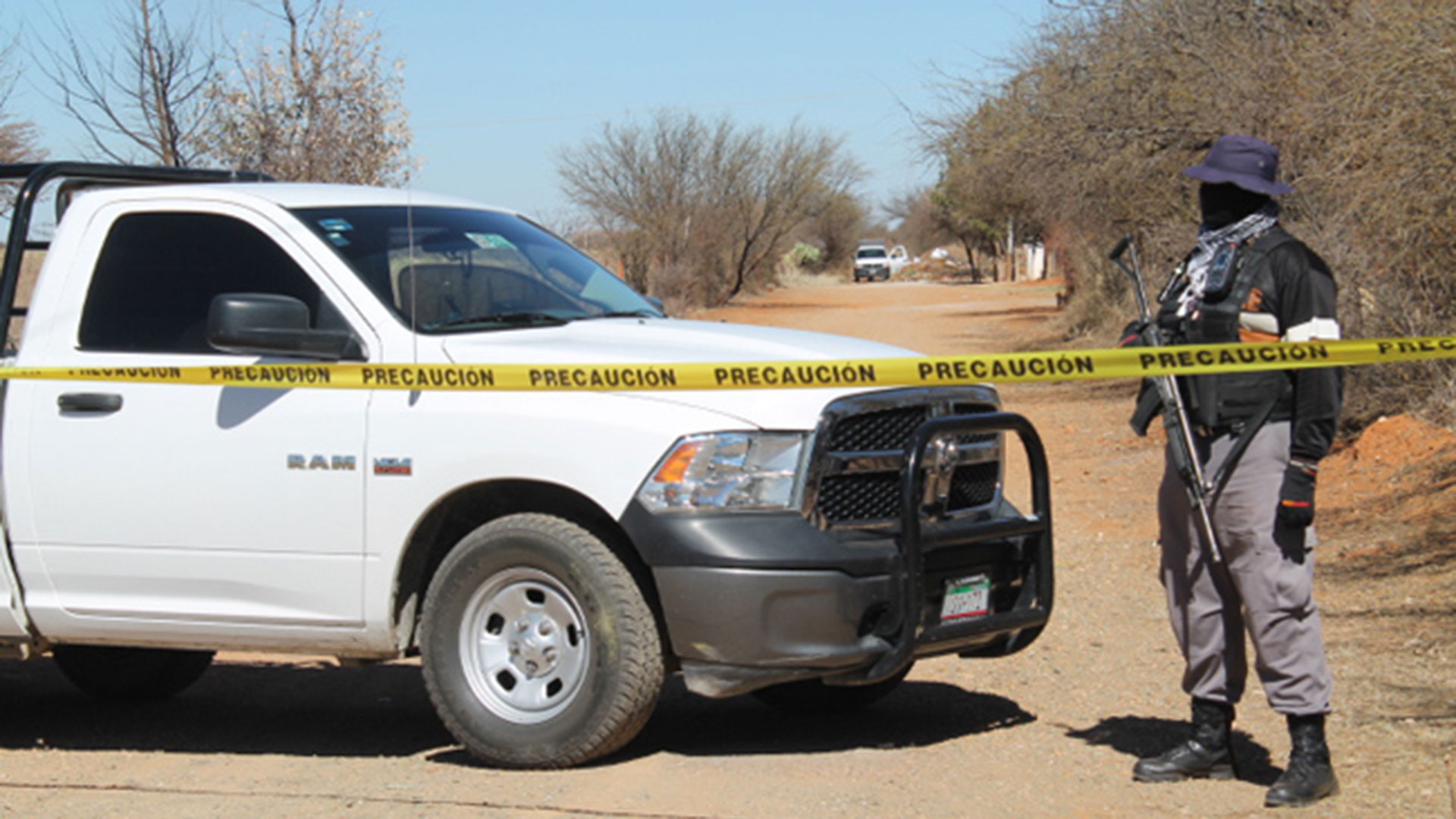 Hallan seis cadáveres en límites con impactos de arma de fuego