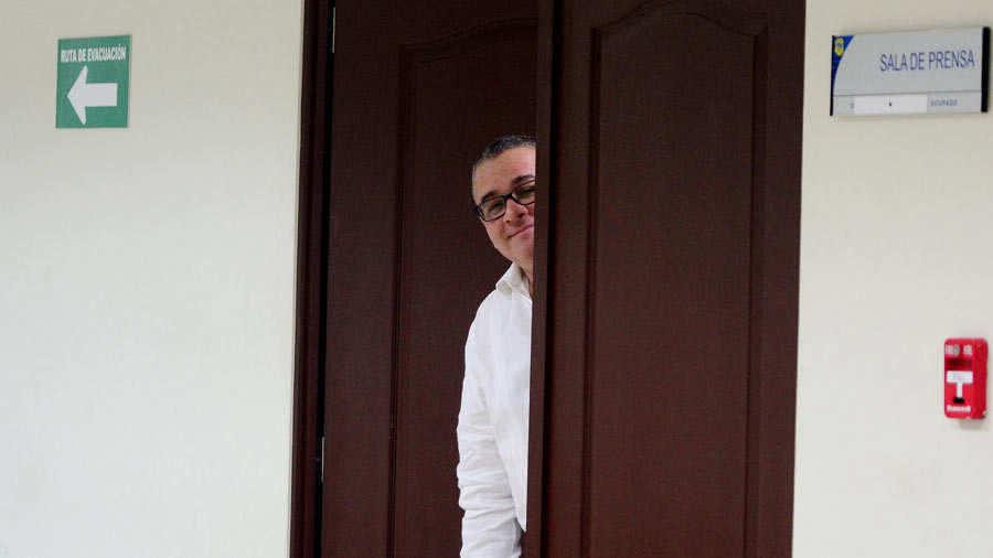 Bukele pide reorientar millones para construir escuelas en El Salvador