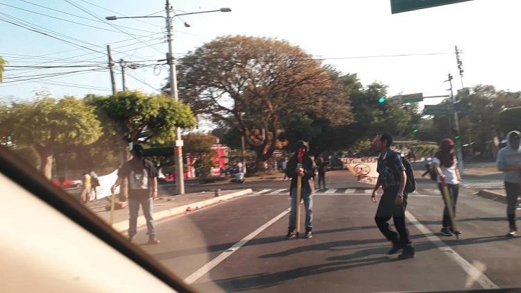Salvadoreños toman las calles este miércoles en defensa del agua