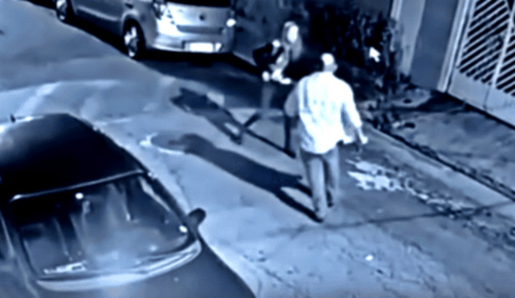 Mujer mata a ladrón que intentó asaltarla