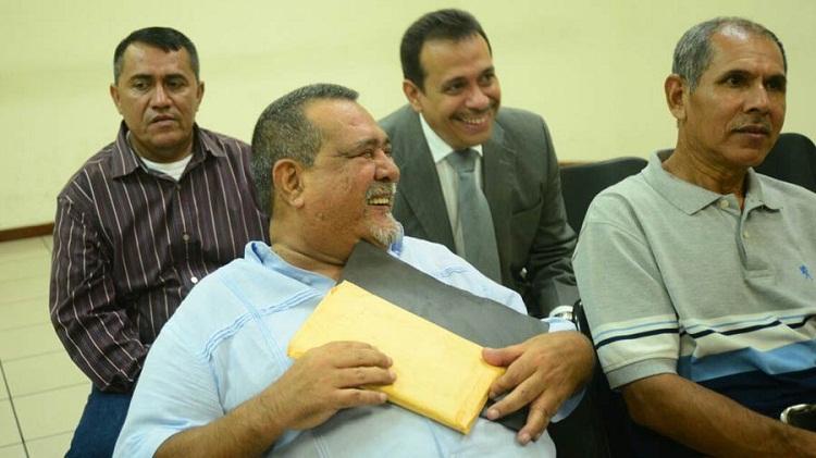 Incautan 61 propiedades relacionadas a Mecafé y expresidente Funes