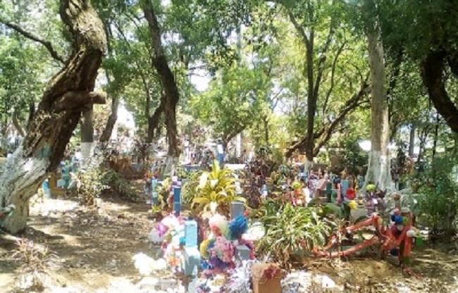 Hombre sufre paro cardíaco y fallece dentro de cementerio de Juayúa - Diario Digital Cronio de El Salvador