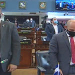 Diputados brindan un minuto de silencio en honor a las víctimas mortales del COVID-19